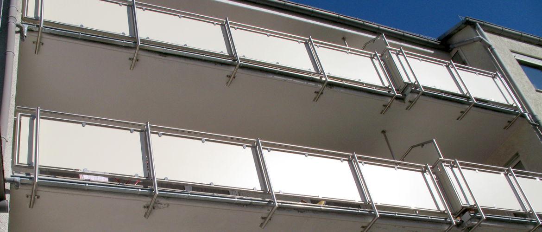 Sanierung mehrerer Balkone einschließlich Entwässerung - Wohnhaus im Rheingau-Taunus-Kreis