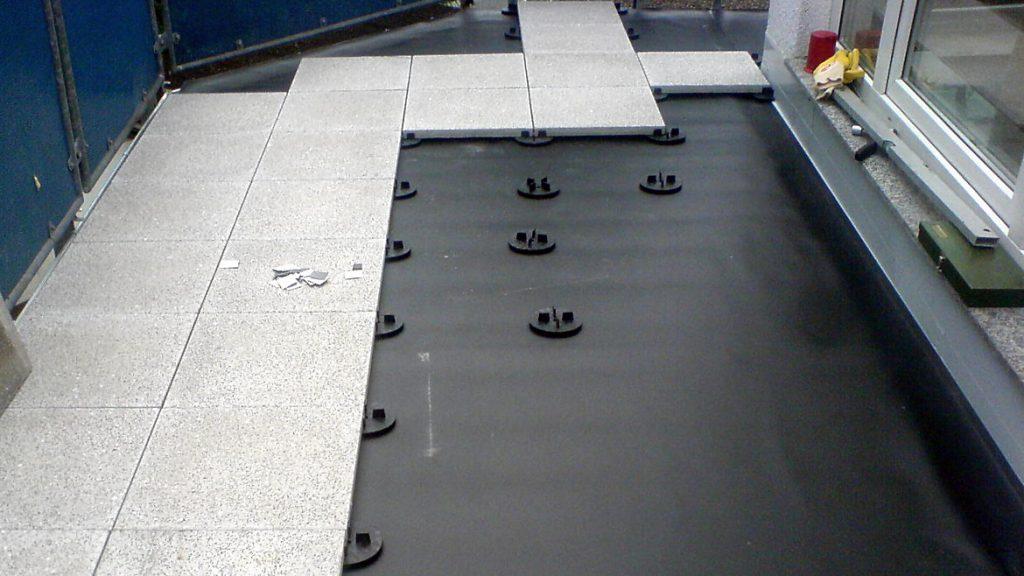 Terrassenplatten in granitweiß