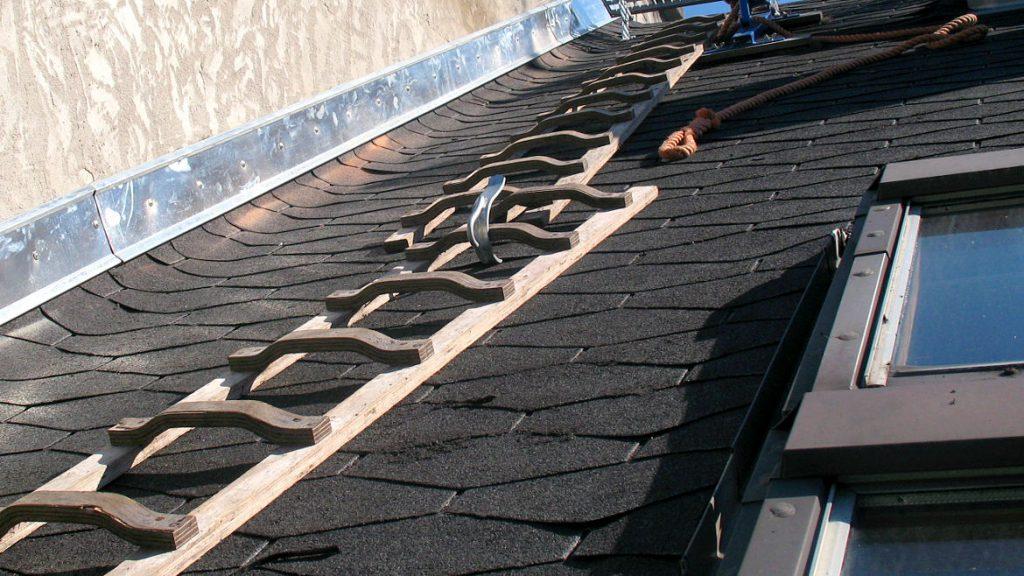 Dachleitern im Einsatz