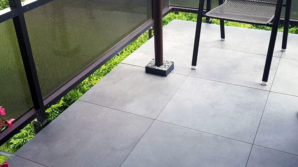 Plattenbelag der Firma RAK, Serie Surface in Ash Matt