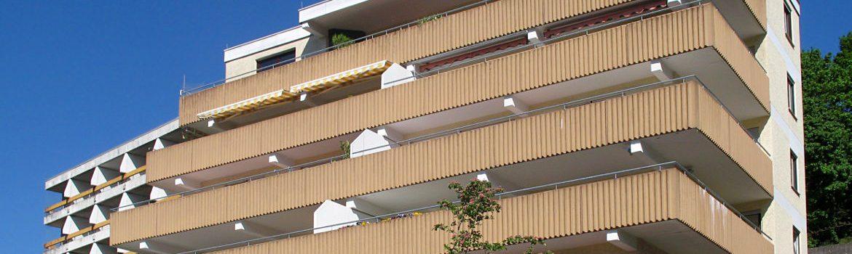 Sanierung eines Flachdaches und mehrerer Balkone - Wohnhaus im Rheingau-Taunus-Kreis