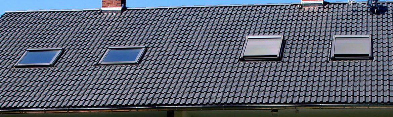 Umdeckung eines Satteldaches und Einbau von Wohnraumdachfenstern - Wohnhaus in Wiesbaden